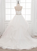 Attractive Organza Sweetheart Neckline A-line Wedding Dress With Beading