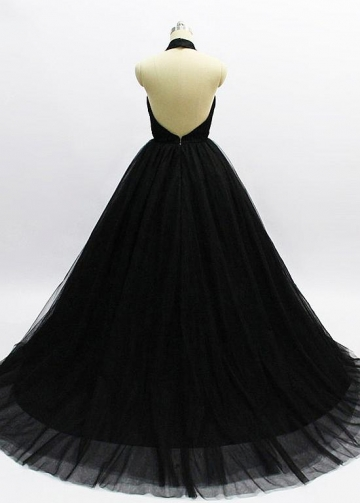 Exquisite Tulle Halter Neckline Floor-length Ball Gown Evening Dresses