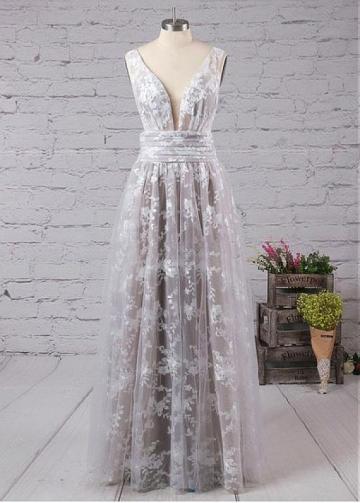Splendid Tulle V-neck Neckline Floor-length A-line Prom Dresses With Lace Appliques