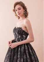 Luxury Tulle & Lace Sweetheart Neckline Ball Gown Evening Dress