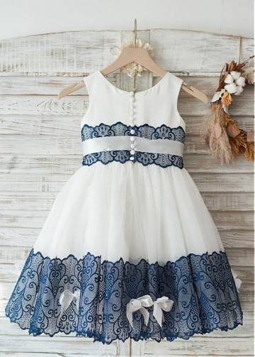Eye-catching Lace & Tulle Scoop Neckline Knee-length Ball Gown Flower Girl Dresses With Beadings