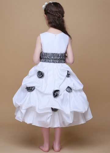 Popular Taffeta Scoop Neckline Ball Gown Flower Girl Dresses With Handmade Flowers