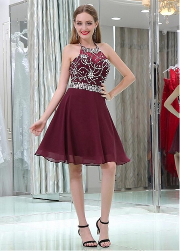 Beautiful Chiffon Halter Neckline Short Length A-line Burgundy Homecoming Dresses With Beadings