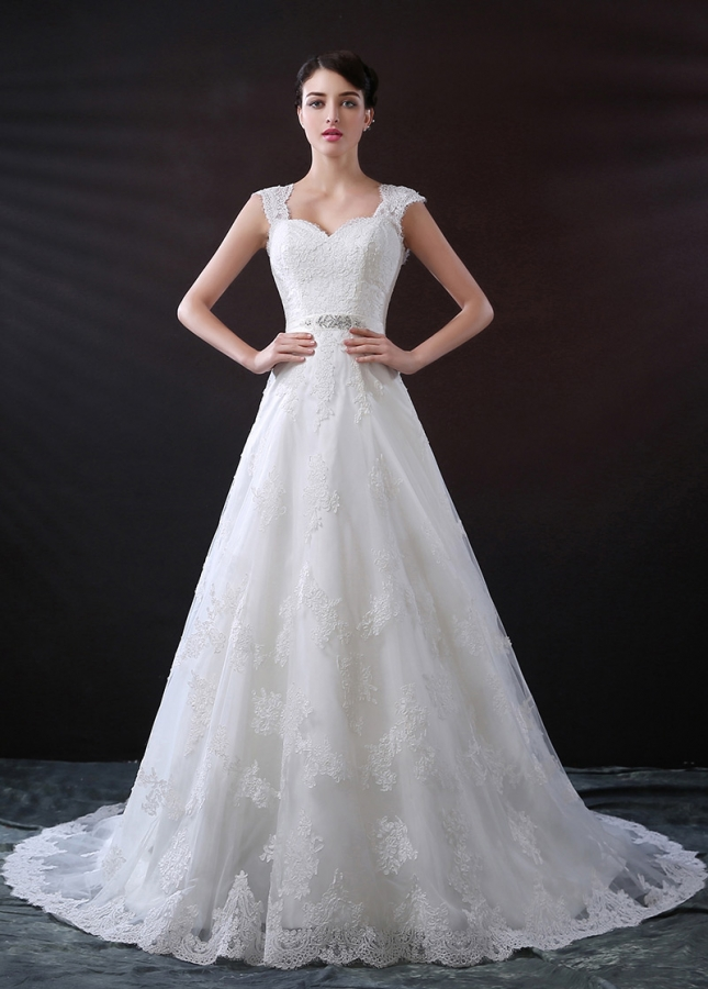 Luxury Tulle A-line Sweetheart Neckline Wedding Dress With Beaded Lace Appliques