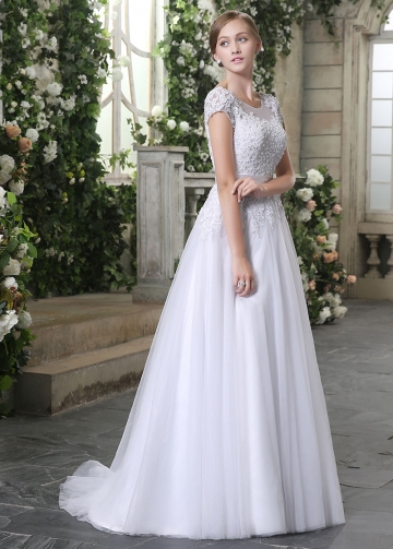Chic Tulle Scoop Neckline Lace Appliques A-line Wedding Dresses