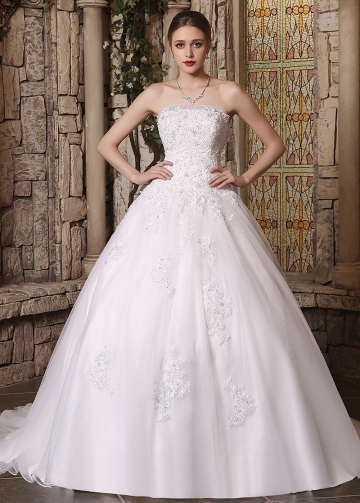 Gorgeous Tulle Strapless Neckline Ball Gown Wedding Dresses