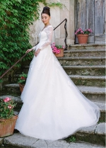 Charming Lace & Tulle V-neck Neckline A-line Wedding Dresses With Lace Appliques