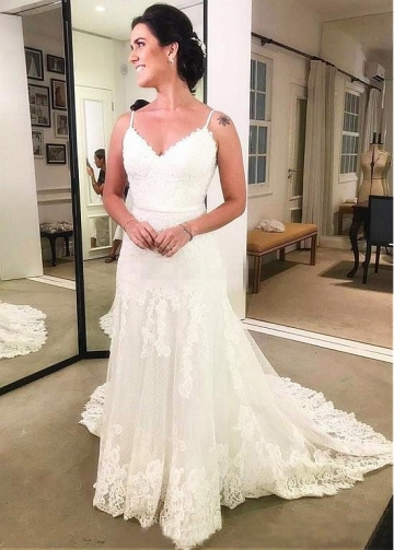 Elegant Tulle & Polka Dot Tulle Spaghetti Straps Neckline A-line Wedding Dress With Lace Appliques & Belt