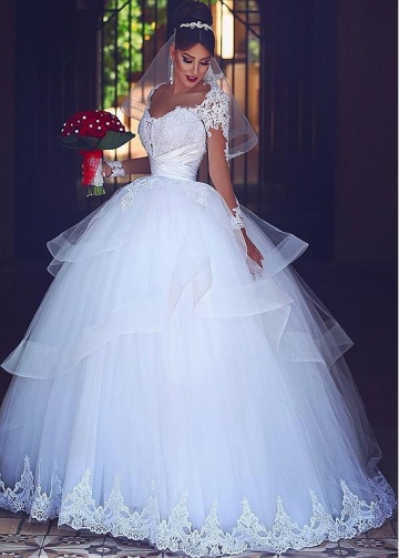 Fantastic Tulle Scoop Neckline Ball Gown Wedding Dresses With Lace Appliques