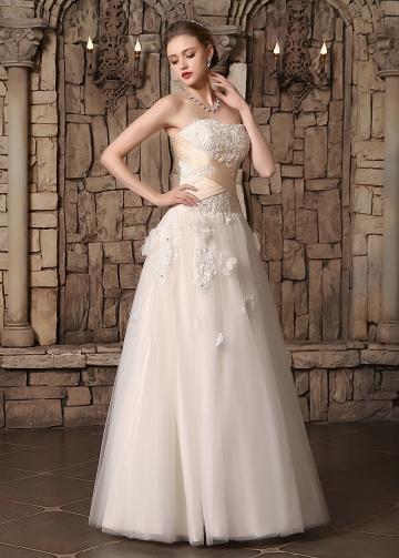 Chic Tulle Strapless Neckline Floral A-line Wedding Dresses