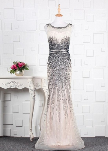 Brilliant Tulle Scoop Neckline Sheath/Column Prom Dresses With Beadings