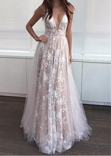 Splendid Tulle V-neck Neckline Floor-length A-line Prom Dresses With Lace Appliques