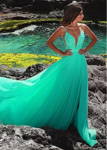 Dazzling Chiffon Spaghetti Straps Neckline Floor-length A-line Evening Dress With Belt & Lace Appliques
