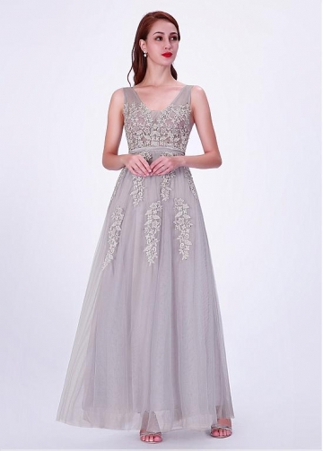 Delicate Tulle V-neck Neckline A-line Bridesmaid Dresses With Flowers