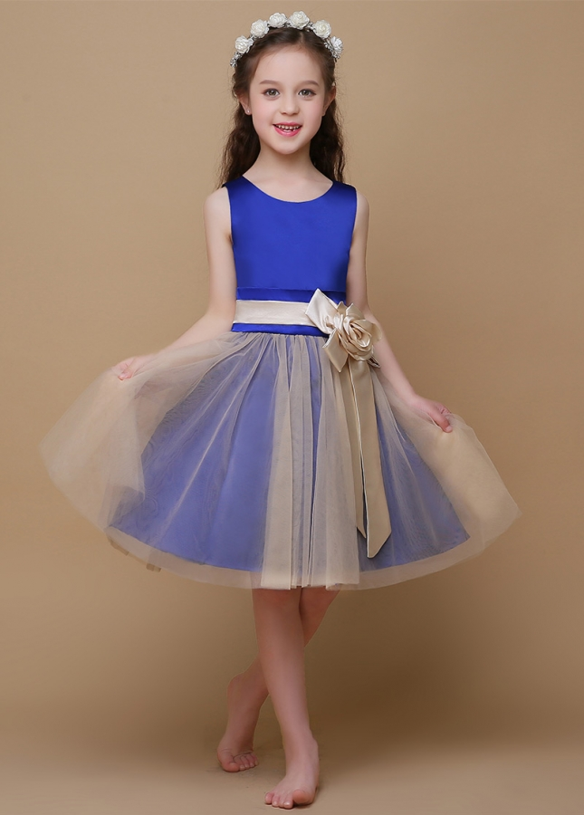 Chic Satin & Tulle Scoop Neckline A-Line Flower Girl Dresses With Handmade Flower
