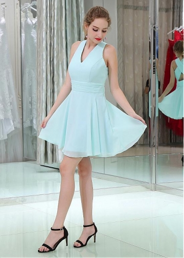Light Blue Sweet Chiffon V-neck Neckline Short Length A-line Homecoming / Bridesmaid Dresses