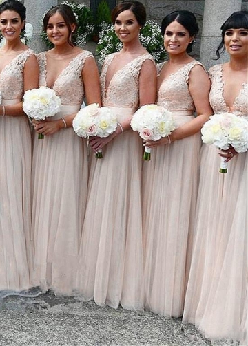 Wonderful Tulle V-neck Neckline A-line Bridesmaid Dresses With Lace Appliques & Belt