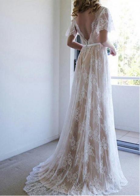 Brilliant Tulle V-neck Neckline A-line Wedding Dresses With Belt