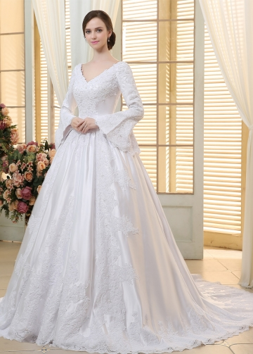 Vintage Satin V-neck Neckline Ball Gown Wedding Dresses With Beaded Lace Appliques