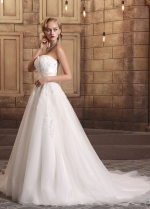 Glamorous Tulle Sweetheart Neckline A-line Wedding Dresses With Beaded Lace Appliques