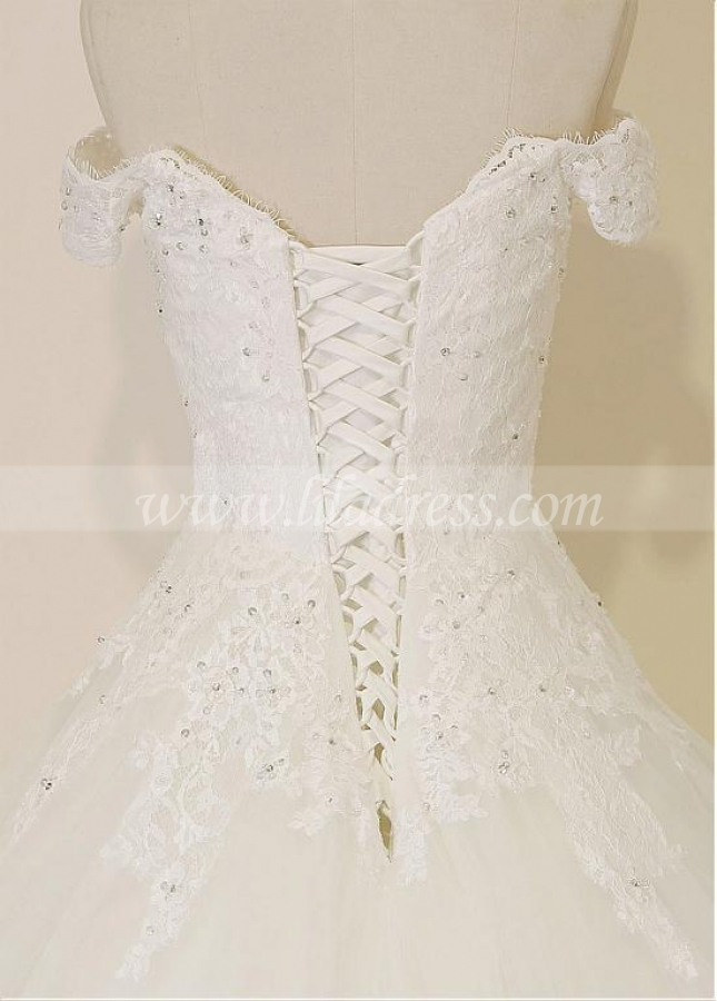 Amazing Tulle Off-the-shoulder Neckline A-line Wedding Dresses With Beaded Lace Appliques