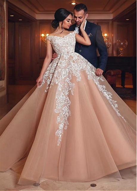 Eyecatching Tulle Off-the-shoulder Neckline Ball Gown Wedding Dresses With Lace Appliques
