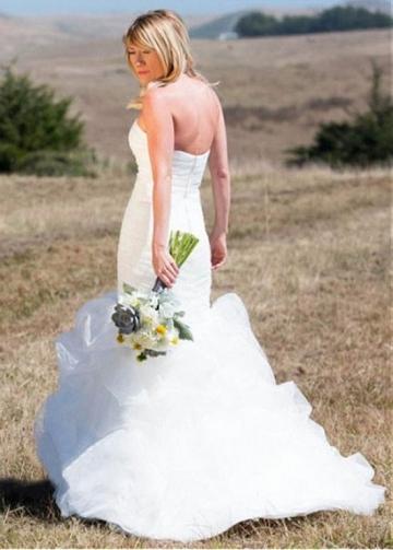Graceful Tulle Strapless Neckline Full-length Mermaid Wedding Dress With Ruffles