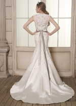 Romantic Satin Queen Anne Neckline Lace Appliques Mermaid Wedding Dresses