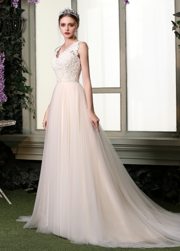 Chic Lace & Tulle V-neck Neckline A-line Wedding Dresses