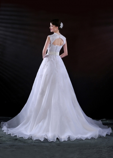 Gorgeous Organza Satin A-line Sweetheart Neckline Wedding Dress With Lace Appliques