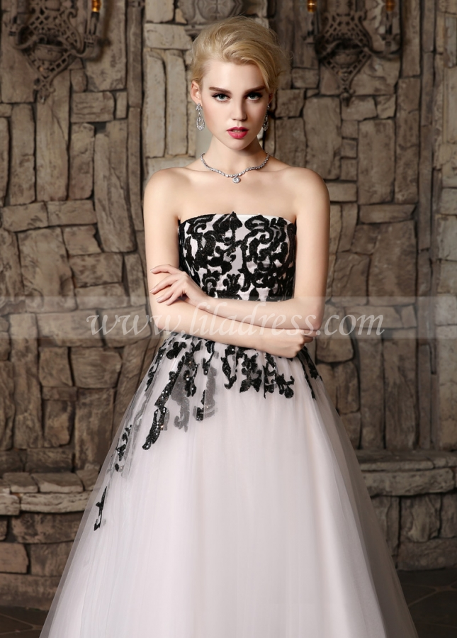 Gorgeous Tulle Strapless Neckline A-line Wedding Dresses with Sequins Lace Appliques