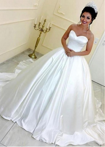 Exquisite Satin Sweetheart Neckline Ball Gown Wedding Dresses With Belt