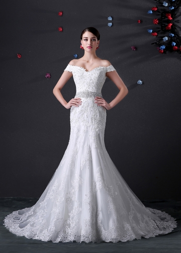 Elegant Tulle Off-the-shoulder Neckline Mermaid Wedding Dress