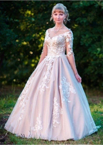 Junoesque Tulle Bateau Neckline A-line Wedding Dresses With Beaded Lace Appliques