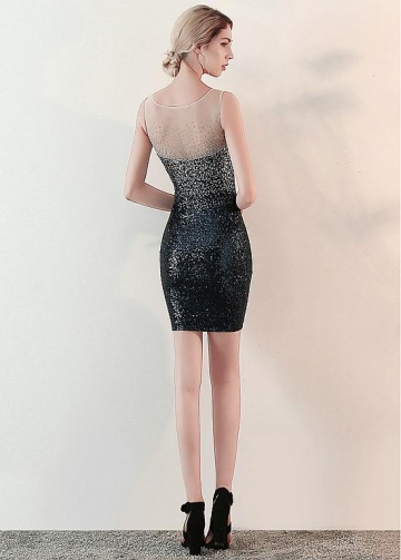 Dazzling Tulle & Sequins Lace Scoop Neckline Short Sheath/Column Cocktail Dress With Rhinestones
