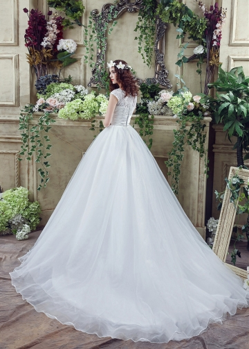 Lace & Organza Scoop Neckline Ball Gown Wedding Dresses With Rhinestones