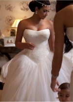 Gorgeous Lace & Tulle Strapless Neckline Ball Gown Wedding Dresses