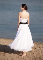 Elegant Chiffon Strapless Neckline Tea-length A-line Wedding Dresses