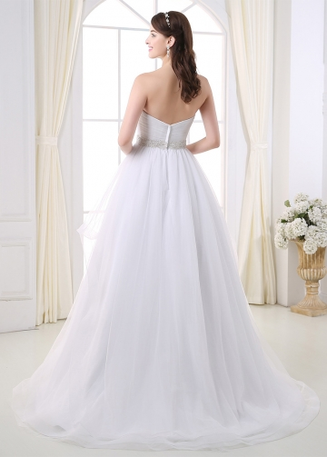 Charming Tulle Sweetheart Neckline Ball Gown Wedding Dress With Beaded Lace Appliques