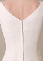 Sweet Chiffon V-neck Neckline Knee-length A-line Bridesmaid Dresses
