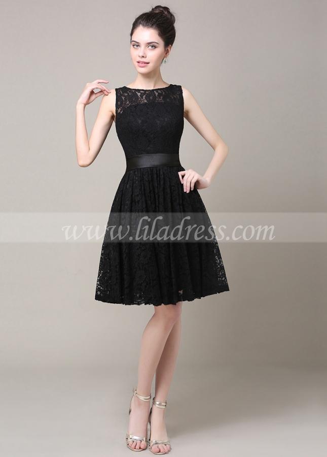 Lovely Lace Bateau Neckline Knee-length A-line Bridesmaid Dress