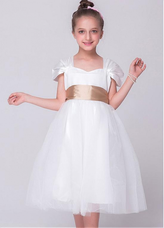 Fabulous Tulle Scoop Neckline A-line Flower Girl Dresses With Belt