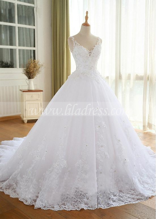 Luxury Tulle V-neck Neckline Ball Gown Wedding Dresses With Beaded Lace Appliques