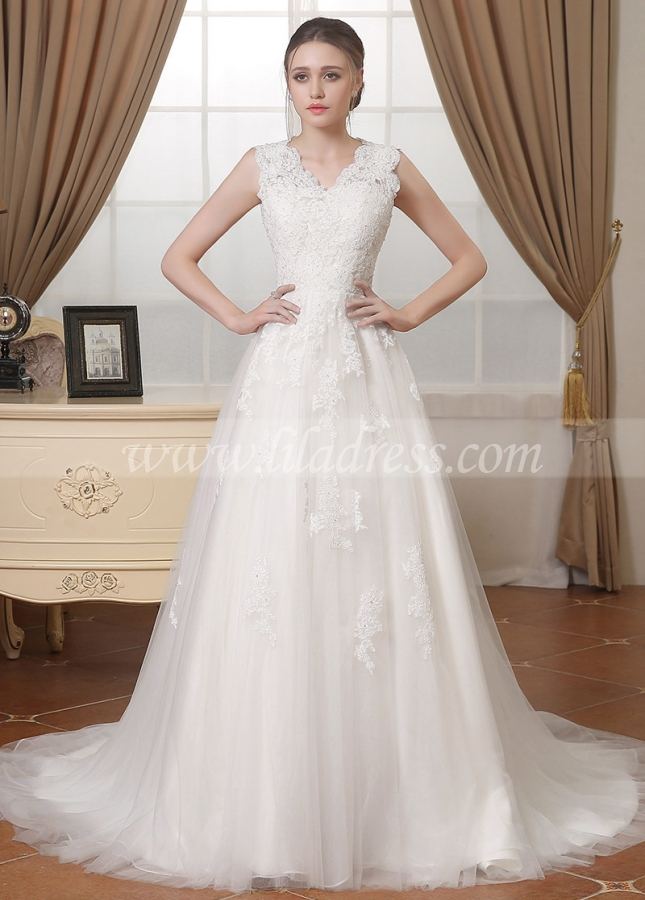 Elegant Tulle V-neck Neckline A-line Wedding Dresses With Lace Appliques