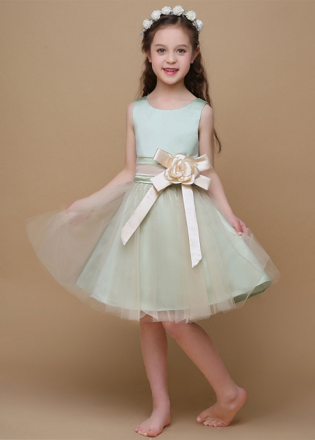 Lovely Tulle & Satin Scoop Neckline A-Line Flower Girl Dresses With Handmade Flower