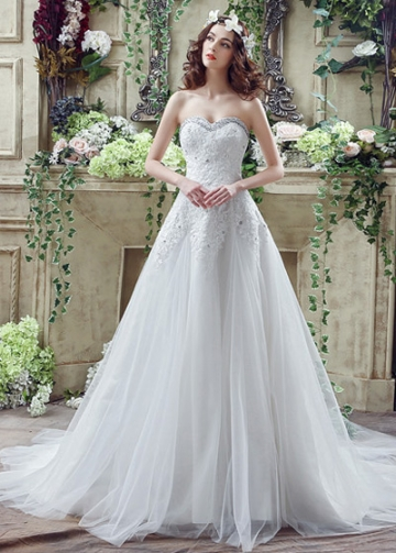 Fabulous Tulle Sweetheart Neckline A-Line Wedding Dresses With Lace Appliques