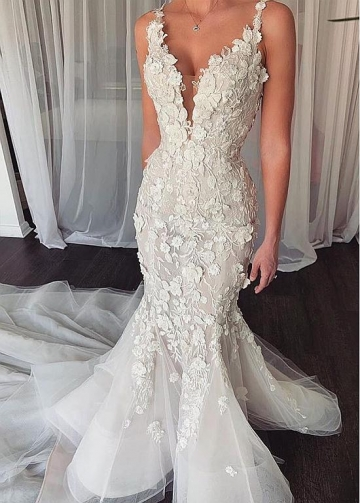 Elegant Tulle V-neck Neckline Mermaid Wedding Dresses With 3D Lace Appliques & Beadings