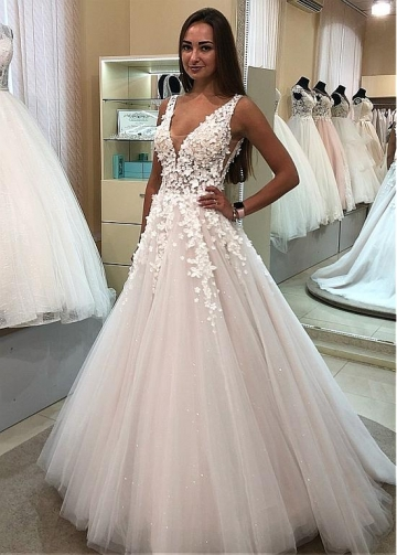 Stunning Tulle V-neck Neckline A-line Wedding Dresses With Beadings & Lace Appliques