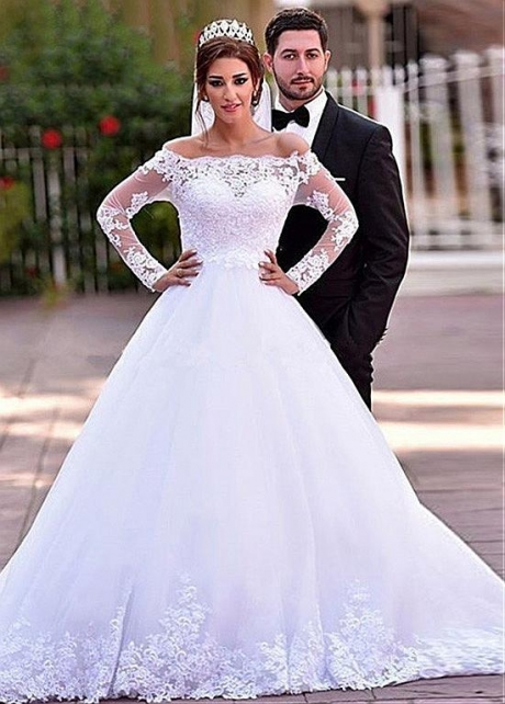 Attractive Tulle Off-the-shoulder Neckline A-line Wedding Dress With Lace Appliques & Beadings