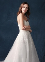 Alluring Tulle Sweetheart Neckline A-line Wedding Dress With Lace Appliques & Belt
